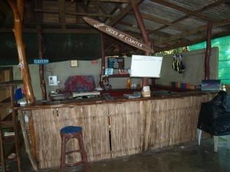 l'accueil, le bar.
